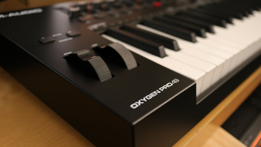 M-Audio Oxygen Pro 49 - LEFT CLOSE